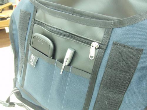 クロームのメッセンジャーバッグ