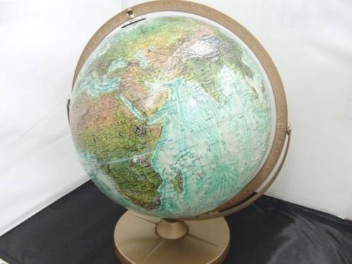 置物の地球儀