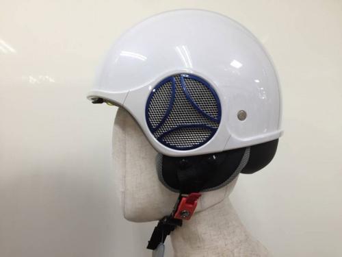 ヘルメットのMOMO DESIGN