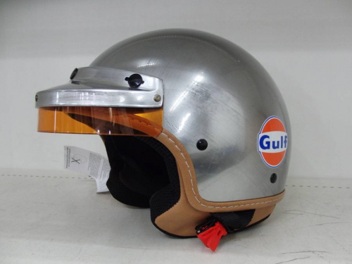 アウトドア用品のヘルメット