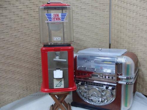 インテリアの10円ガム機械