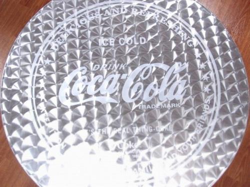 テーブルのコカコーラ