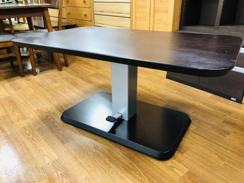 昇降テーブルのニトリ