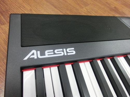 電子ピアノのALESIS