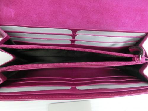 長財布のピンク