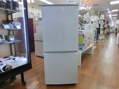 137L冷蔵庫のSHARP