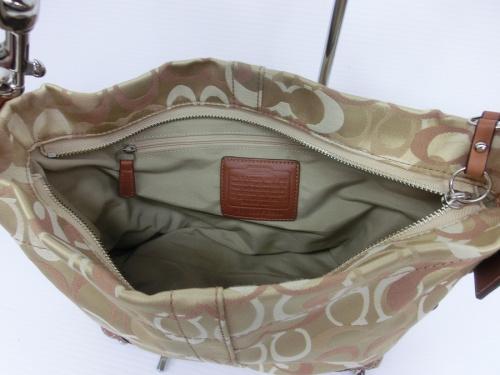 コーチのハンドバッグ