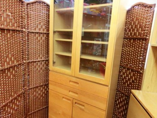 家具 カップボード 食器棚のUNICO HUTTE ウニコ ヒュッテ