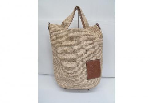 LOEWE ロエベ スリットショルダーバッグの中古ブランドバッグ買取 中古ブランドバッグ販売