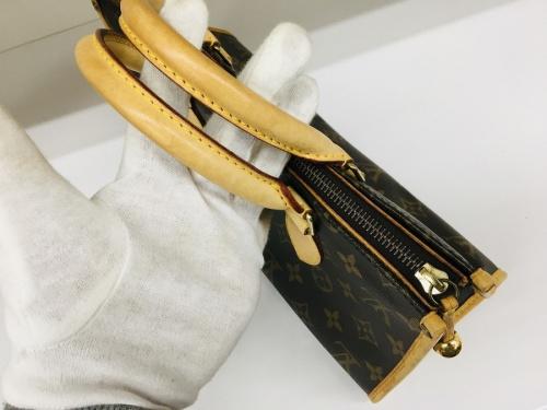 LOUIS VUITTONのバッグ