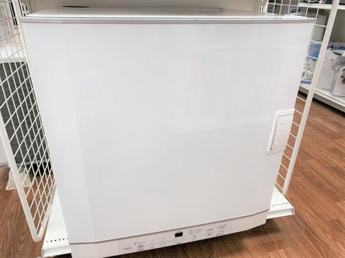 生活家電の家庭用ガス衣類乾燥機