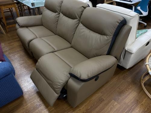 ソファーの電動リクライニングソファー