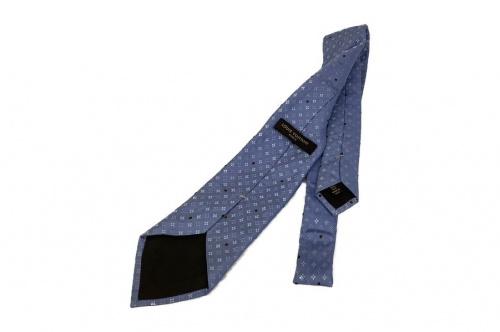 ネクタイのシルクネクタイ