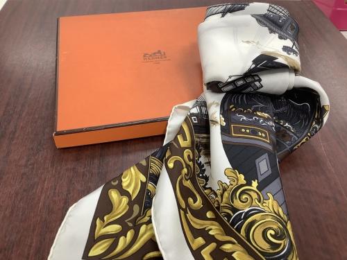 服飾小物のスカーフ