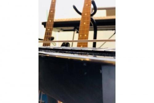 ギターのハワイアンスチールギター