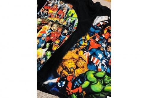 シャツのMARVEL