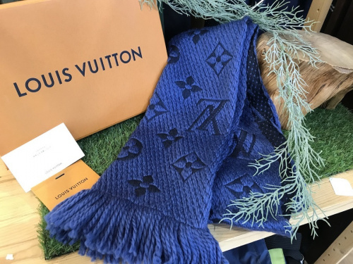 スカーフのLOUIS VUITTON