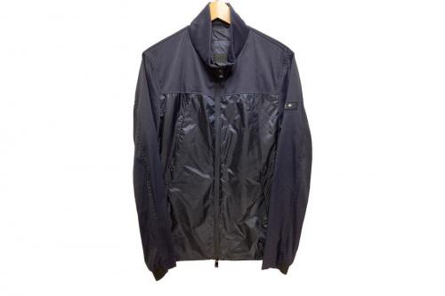 ジャケットのナイロンジャケット