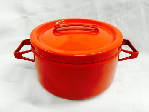 鍋のホーロー鍋