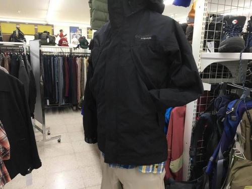 ジャケットのコロンビア