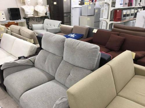 ソファーのカリモク