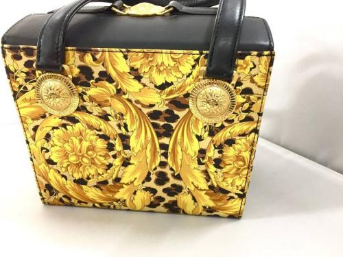ハンドバッグの三鷹ファッション