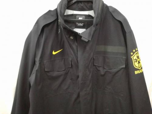 ナイキ(NIKE)のジャケット