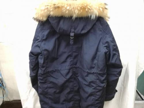 冬物衣類の西川