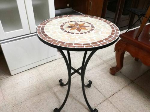 テーブルの三鷹インテリア