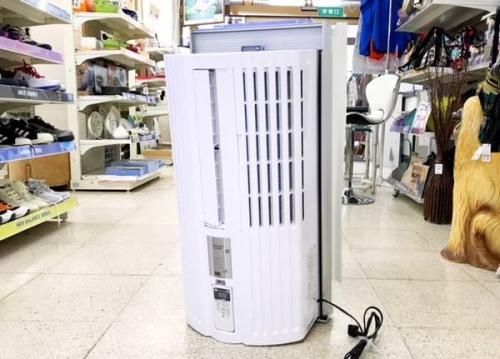 生活家電の窓枠エアコン