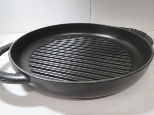 未使用品の鍋