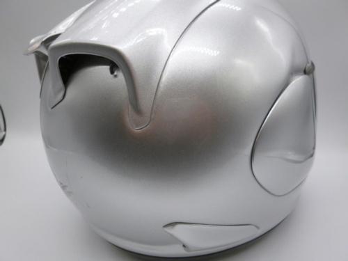ヘルメットのアライ