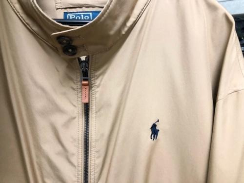 ジャケットのスイングトップ