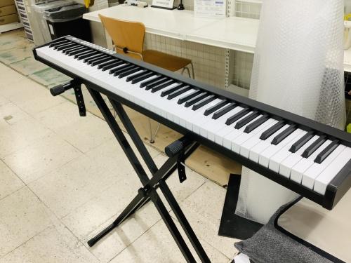 電子ピアノのTOMOI トモイ
