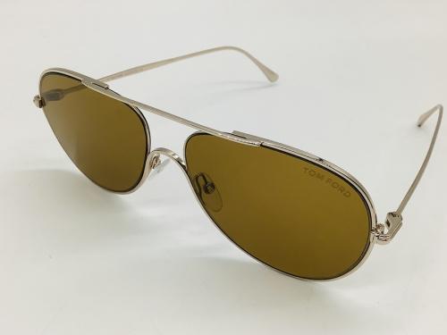 服飾雑貨のサングラス
