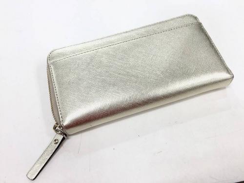 ケイトスペードのラウンドファスナー財布
