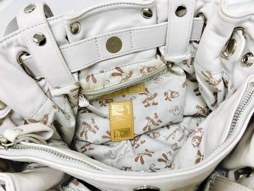 ハンドバッグのコラボ