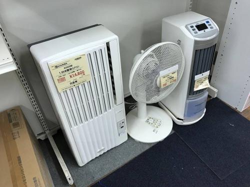除湿機の窓枠エアコン