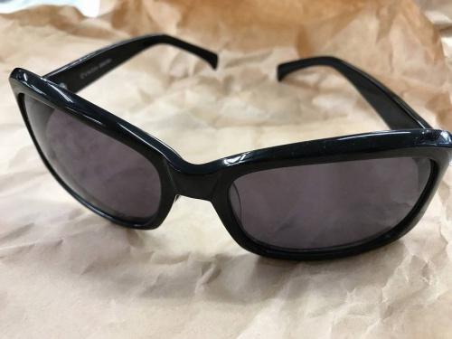 サマーセールのサングラス