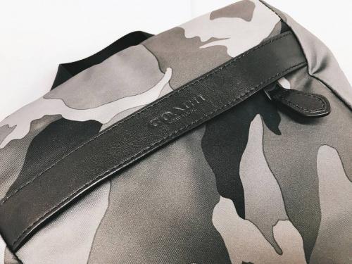 デイパックのバッグ