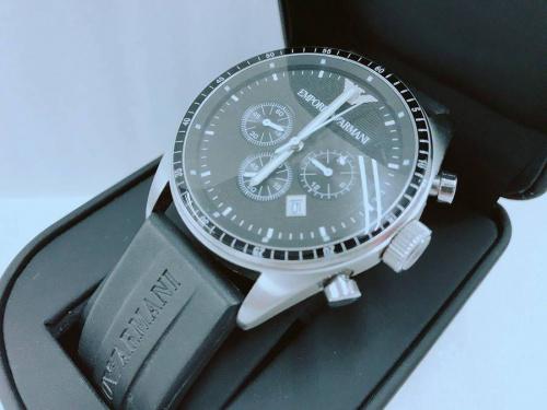 腕時計のEMPORIO ARMANI