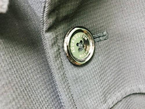 トレンチコートのコート