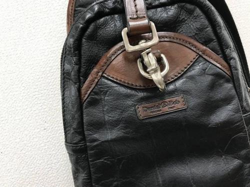 バッグのワンショルダーバッグ
