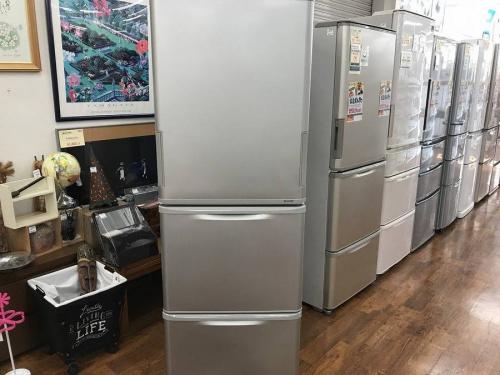 大冷蔵庫のシャープ