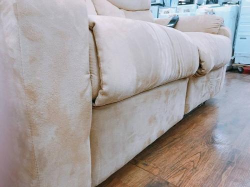 習志野家具の電動リクライニングソファー