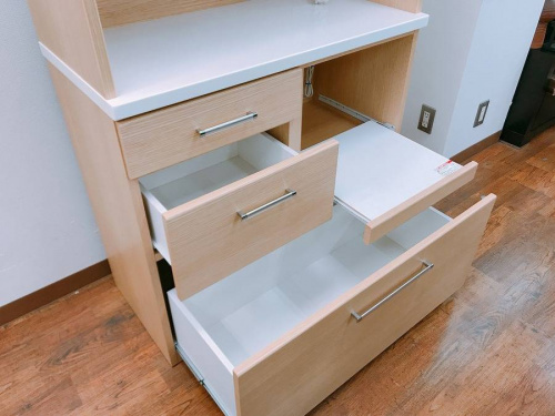 習志野家具のカップボード