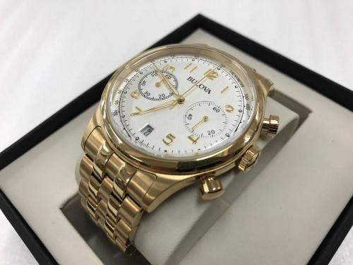 腕時計のBUROVA