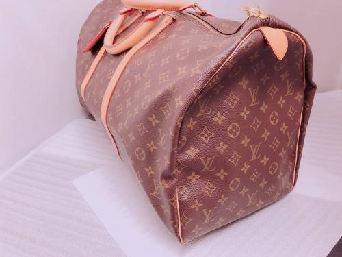 ブランドのボストンバッグ