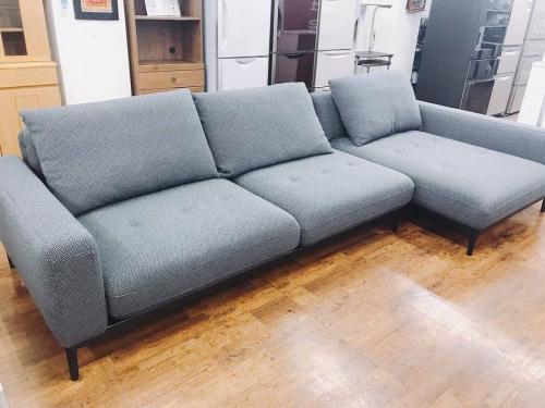 家具のカウチソファ
