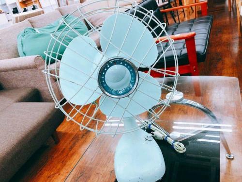 インテリアのアイアン扇風機